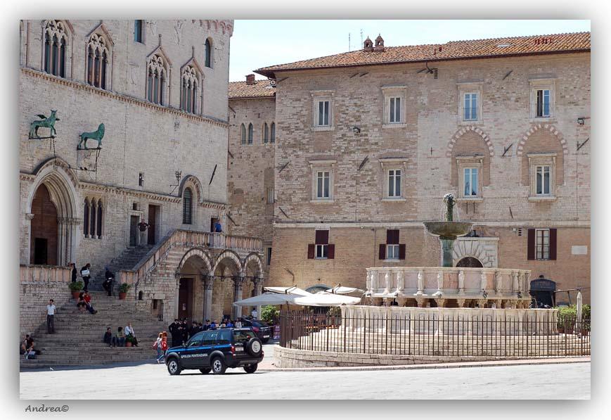 Campertocht door umbrie en marken for Arredare milano piazza iv novembre